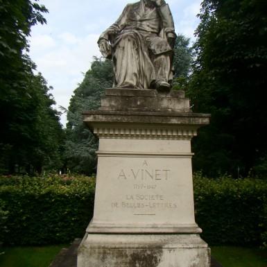 Monument en hommage à Alexandre Vinet, à Lausanne.