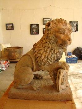 Lion, château de La Bussière